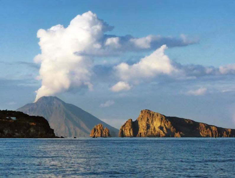 Panoramica di Stromboli (foto Italia.it)