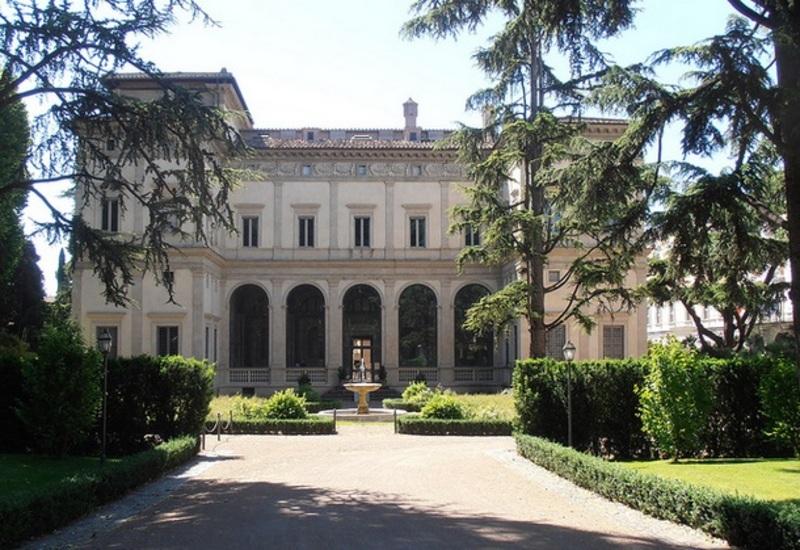 Villa Farnesina | izi.TRAVEL
