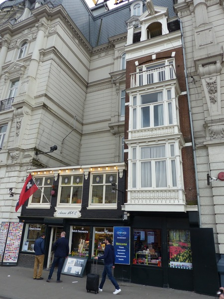 urban legend: the bluff related to the victoria hotel | izi.travel