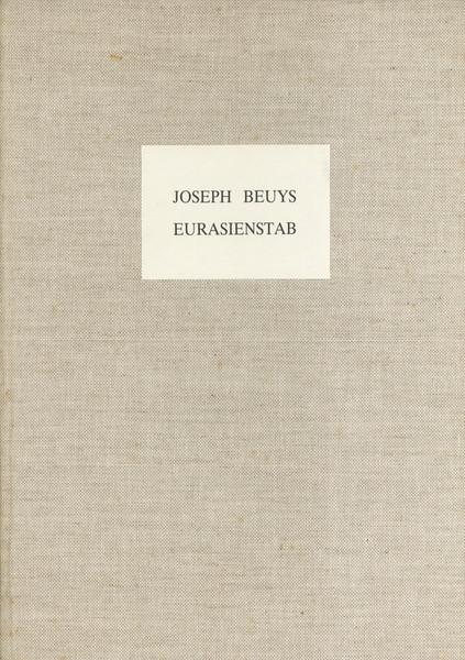 Het book van Joseph Beuys, Eurasienstab werd in samenwerking met Anny De Decker en de White Wide Space Gallery gemaakt. ©M HKA