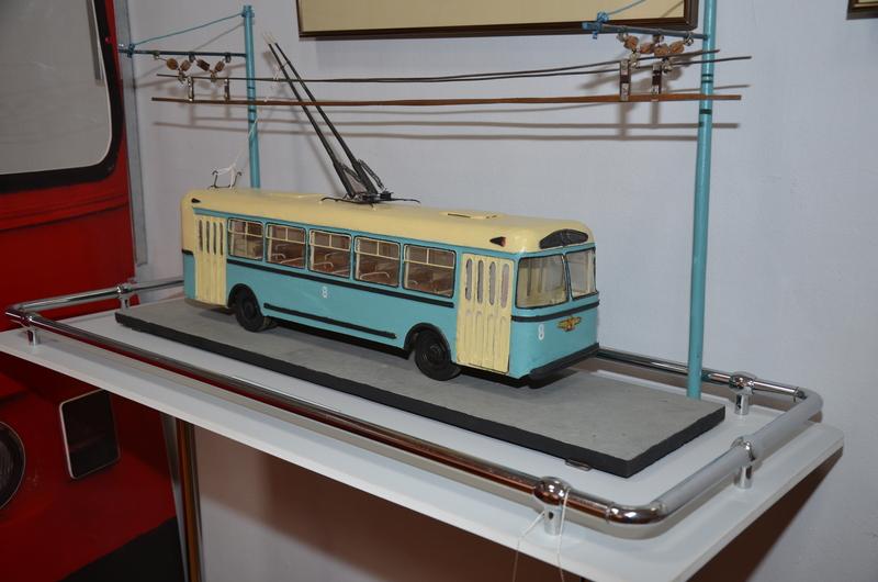 Троллейбус ЗиУ – 5