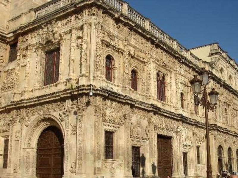 Ayuntamiento casa consistorial de sevilla and calle for Casas de sofas en sevilla