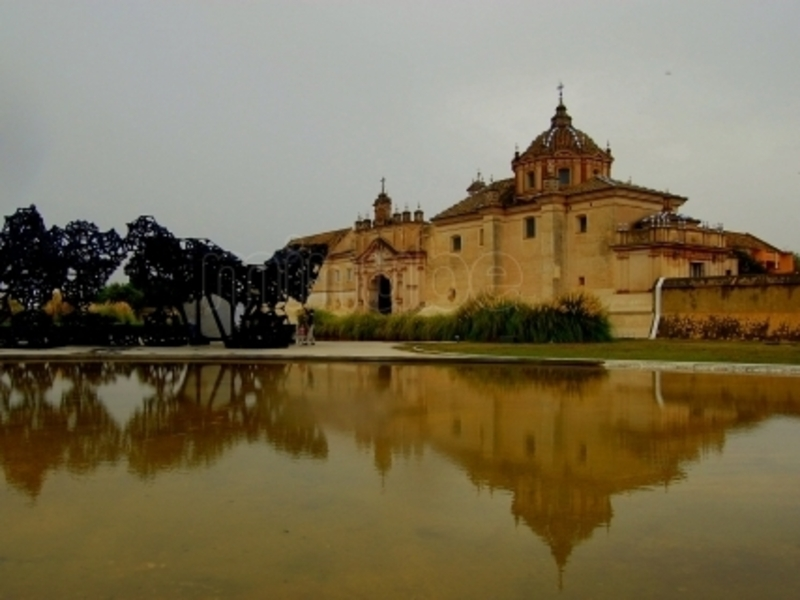 Monasterio la cartuja and isla de la cartuja izi travel - Isla de la cartuja sevilla ...